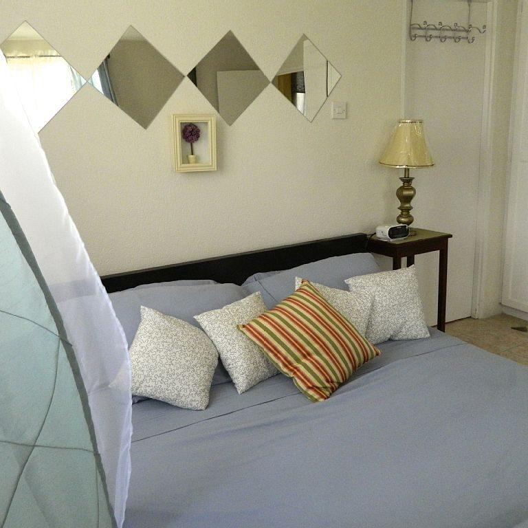 Breezy_Villa_Blue_Bedroom2