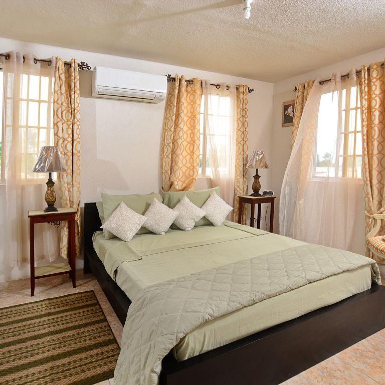 Breezy_Villa_Green_Bedroom1