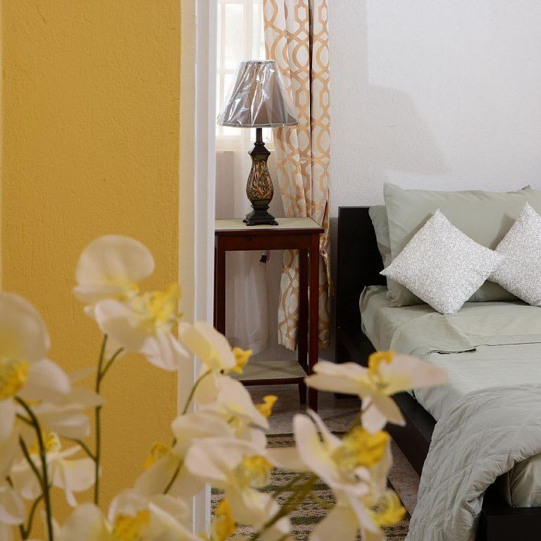 Breezy_Villa_Green_Bedroom2