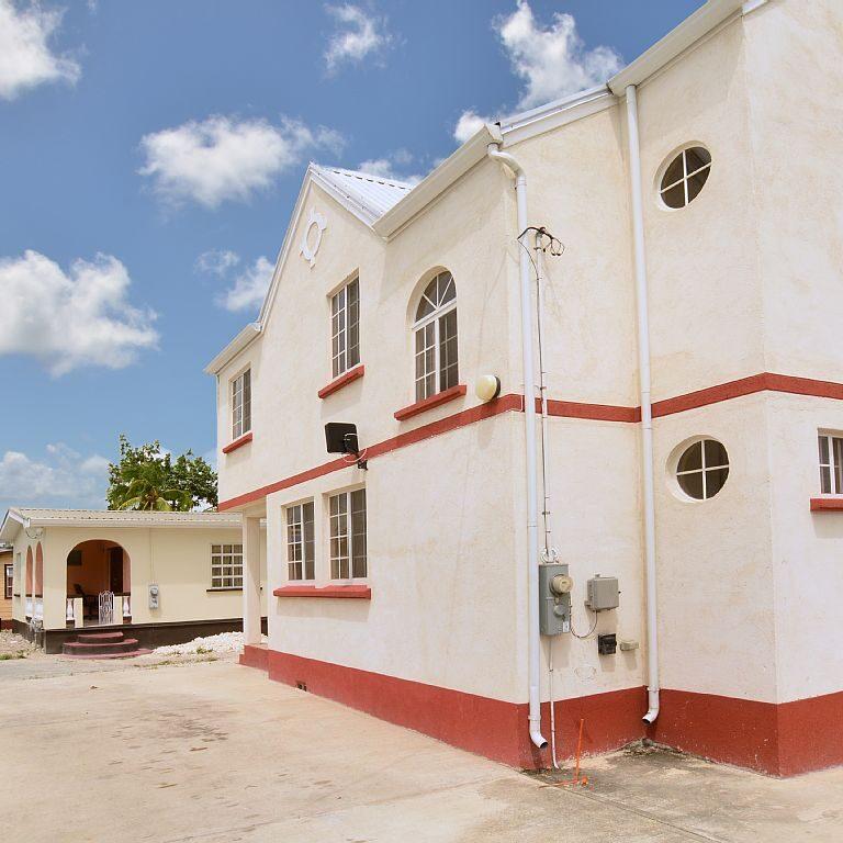 Breezy_Villa_House_Exterior2